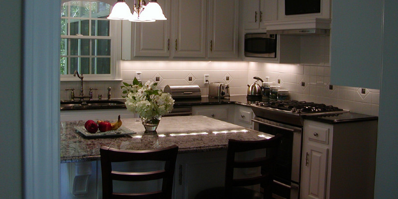 Kitchen of the Week: Small Kitchen, Big View