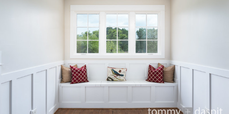 Updates Honor a 1930s Cottage's Background